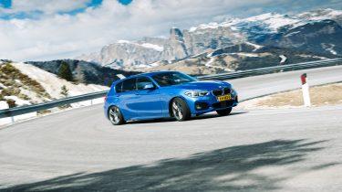 Stuurmanswegen Dolomieten - BMW 120iA - Autovisie.nl