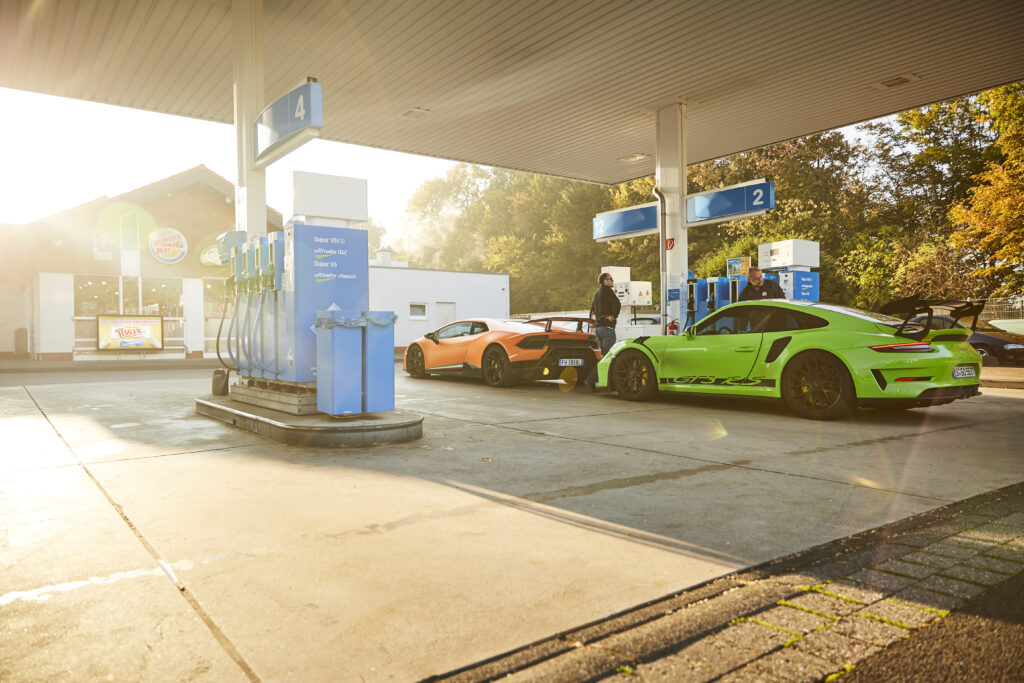 Lamborghini Húracan Performante vs Porsche 911 GT3 RS