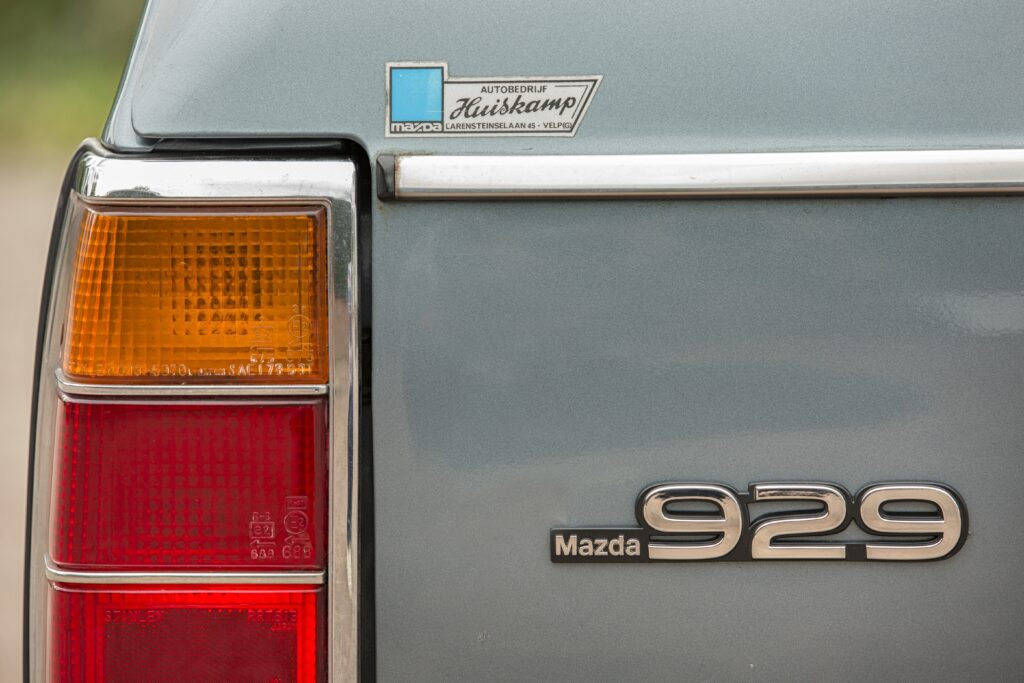 Uw Garage: Das Boot: Mazda 929 Stationwagon