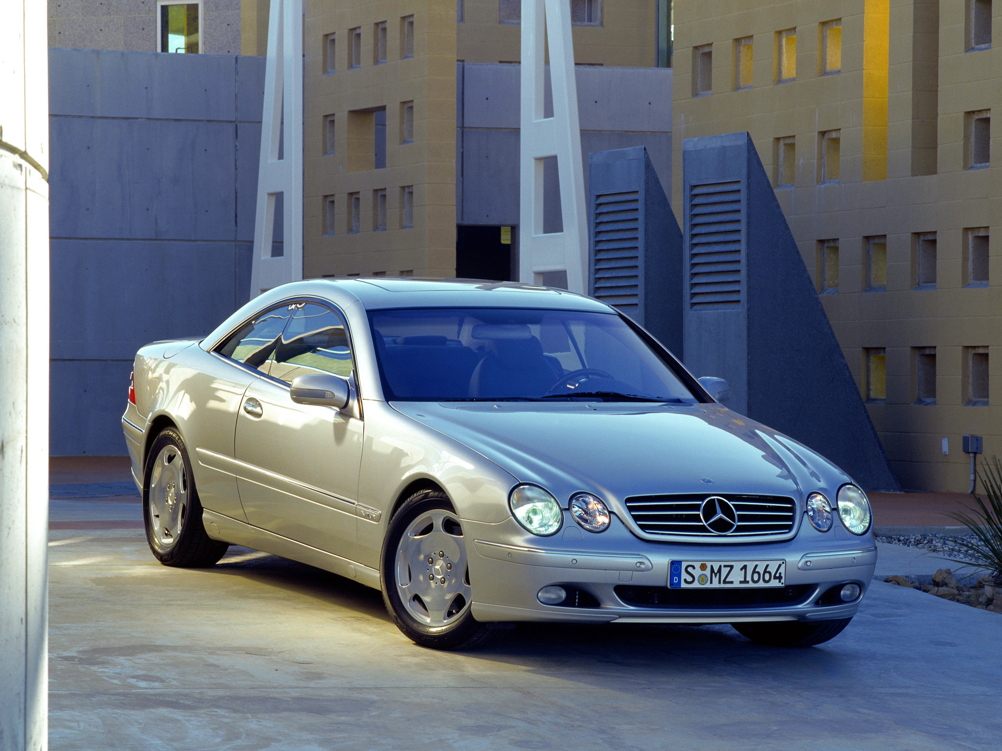 Mercedes CL600 V12