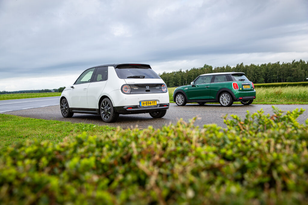Honda e vs Mini Electric back