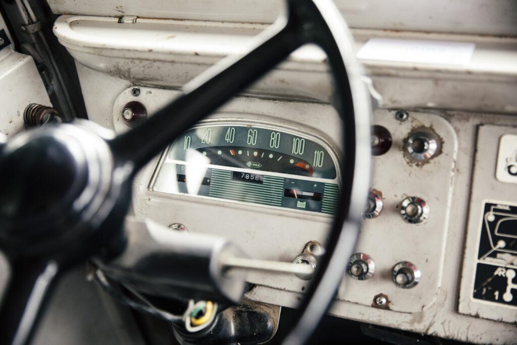 klassieke campers Citroen HY dashboard