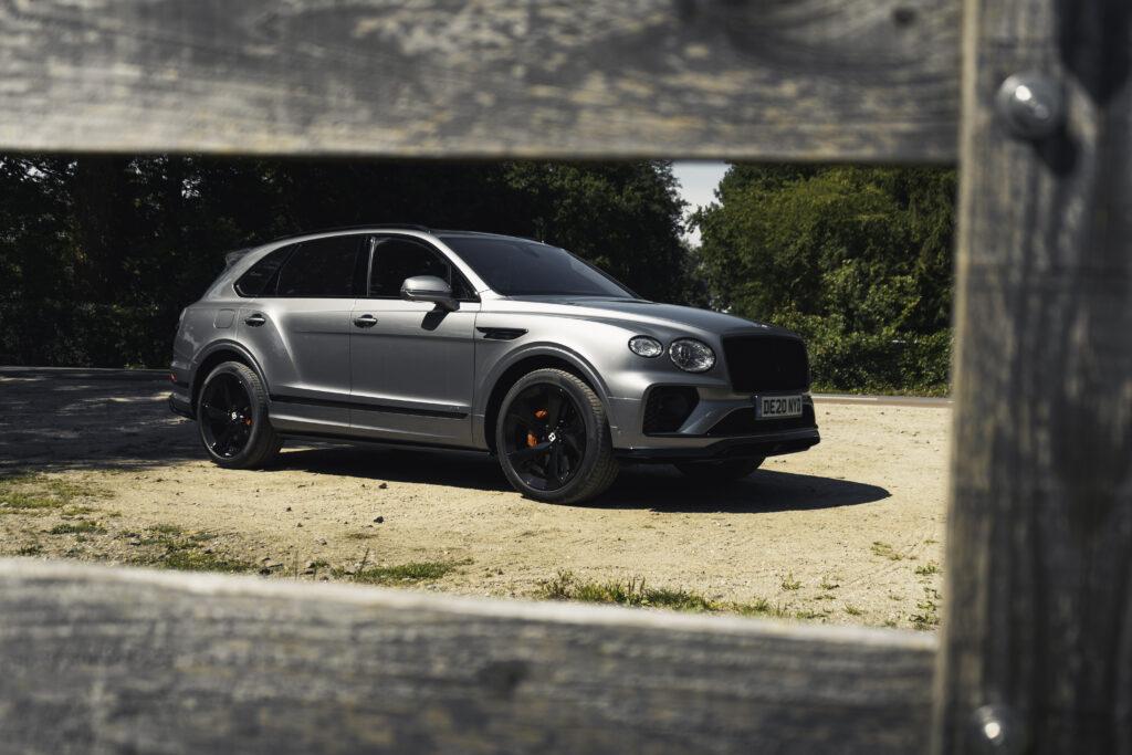 super-SUV Bentley Bentayga V8