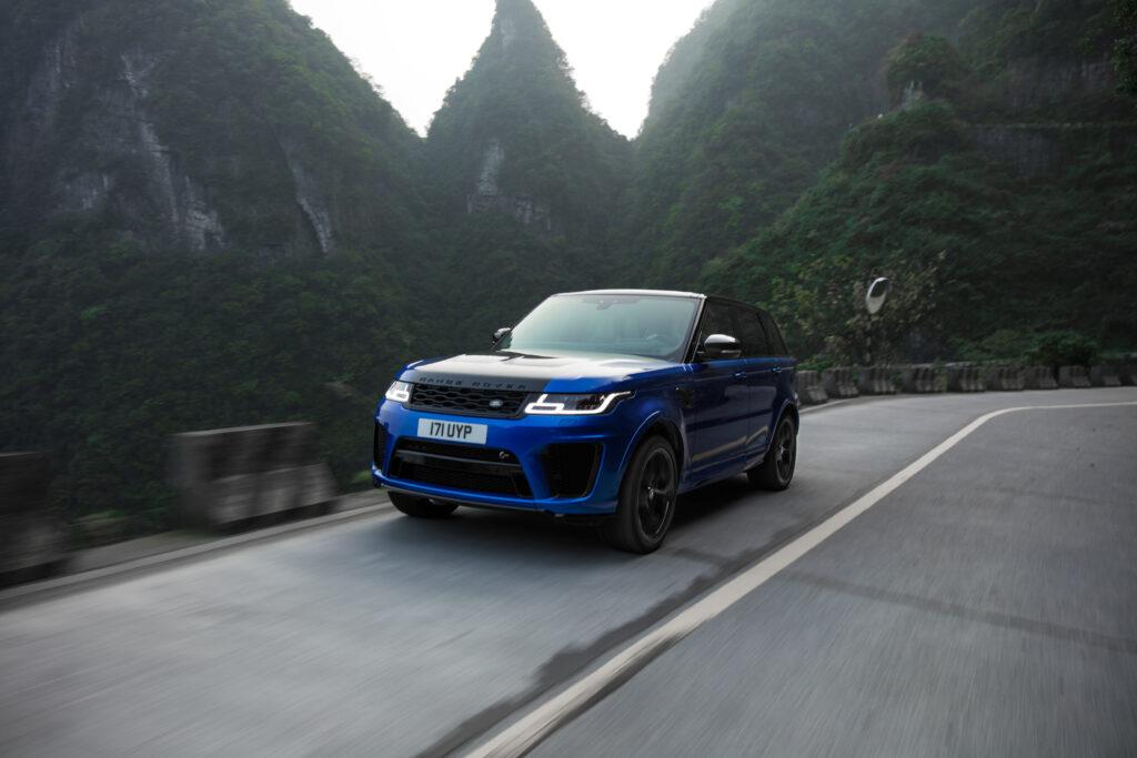 super-SUV Range Rover SVR