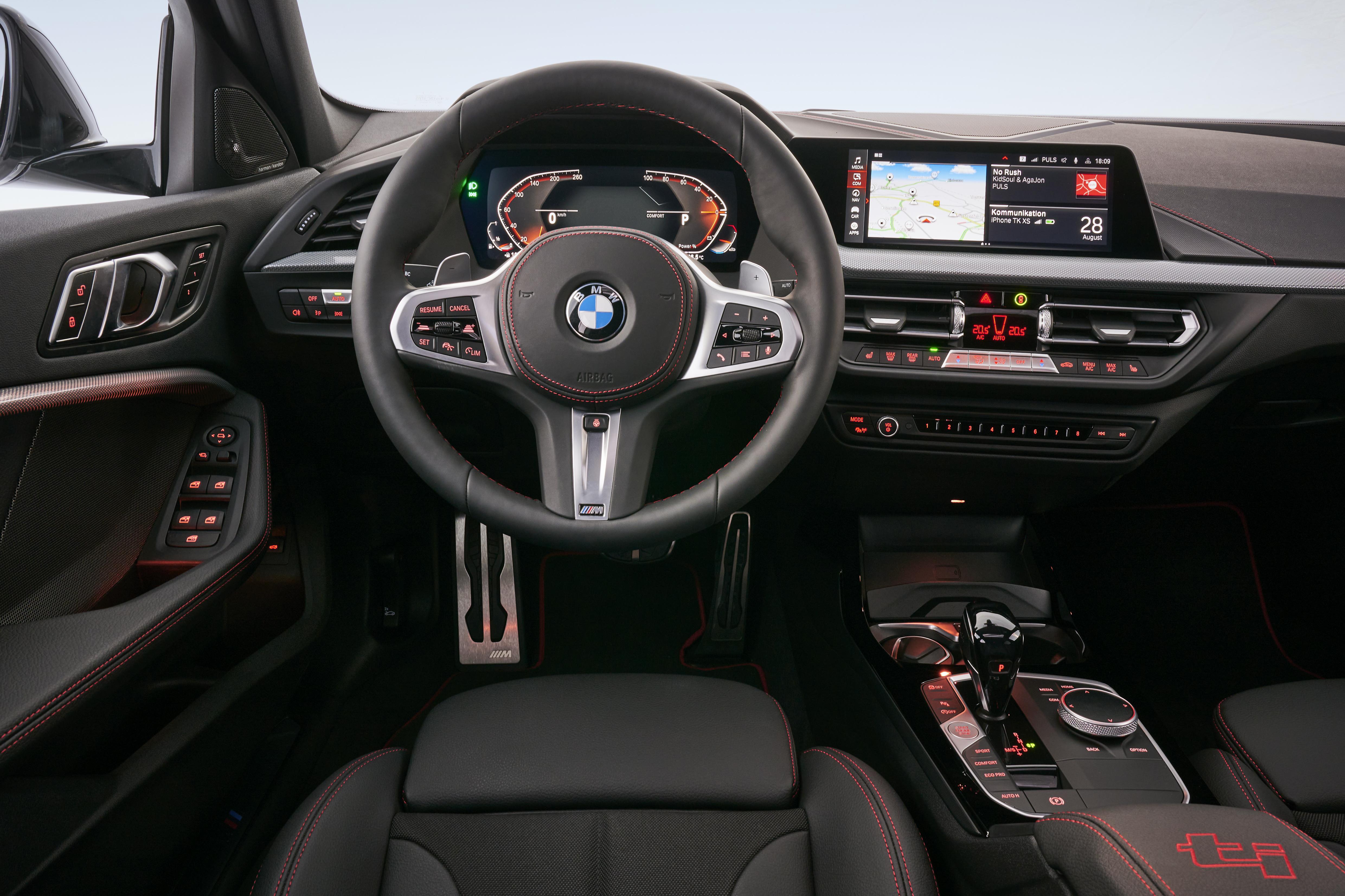 BMW 128ti interieur