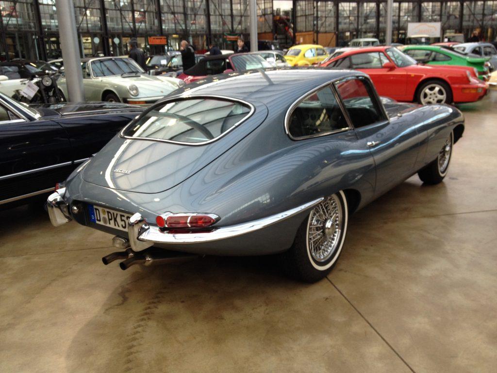 Fraaie Jaguar E-type, deze was al verkocht.