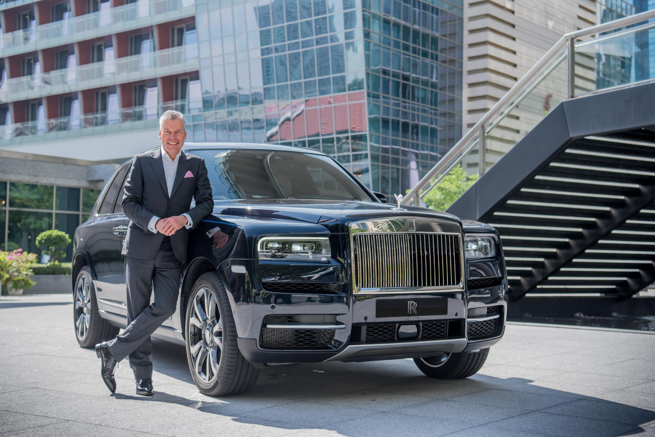 Torsten Muller-Otvos, Chief Executive Officer, Rolls-Royce Motor Cars with Rolls-Royce Cullinan (LEAD)