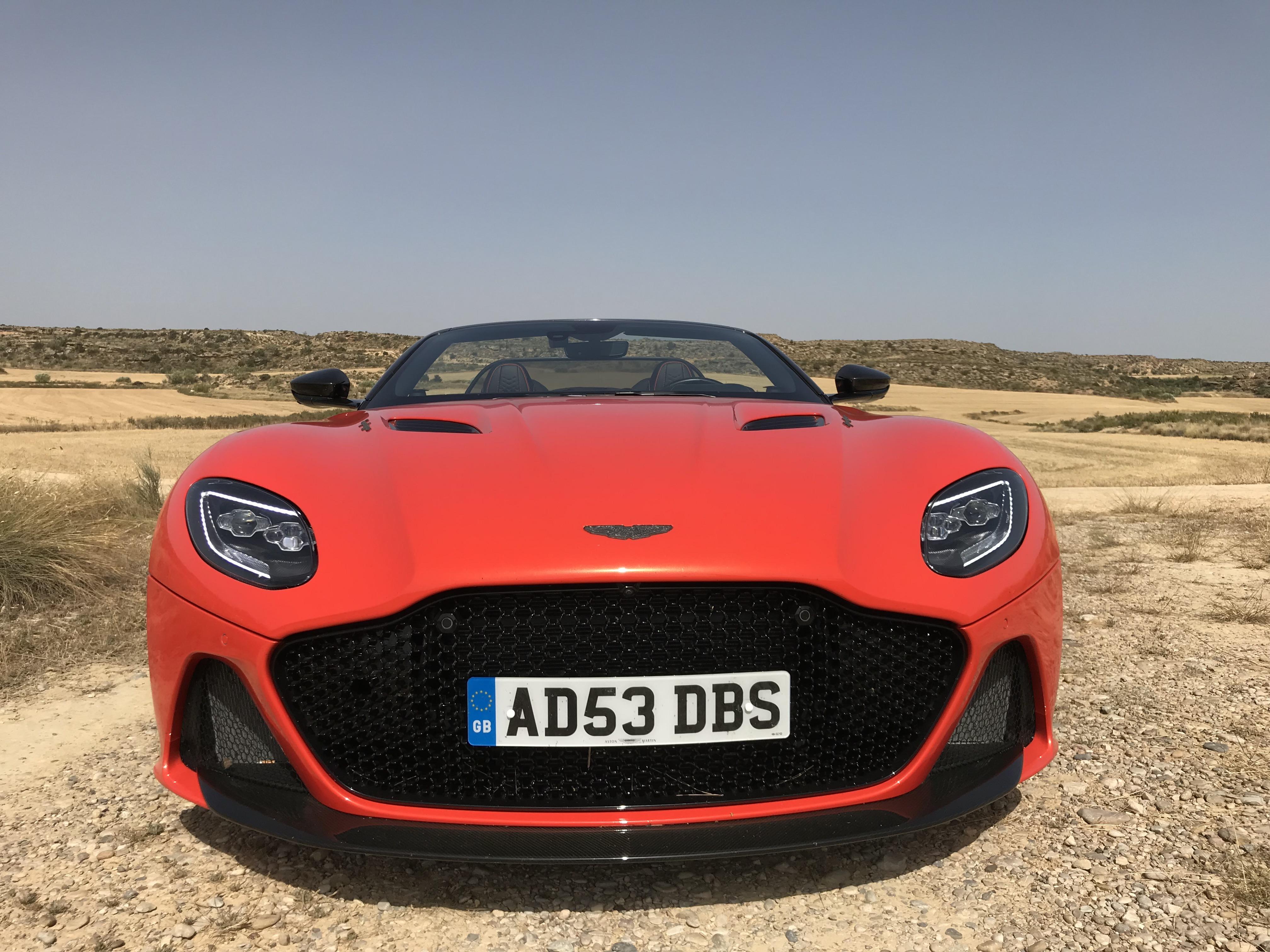 grotere grille Aston Martin DBS Superleggera