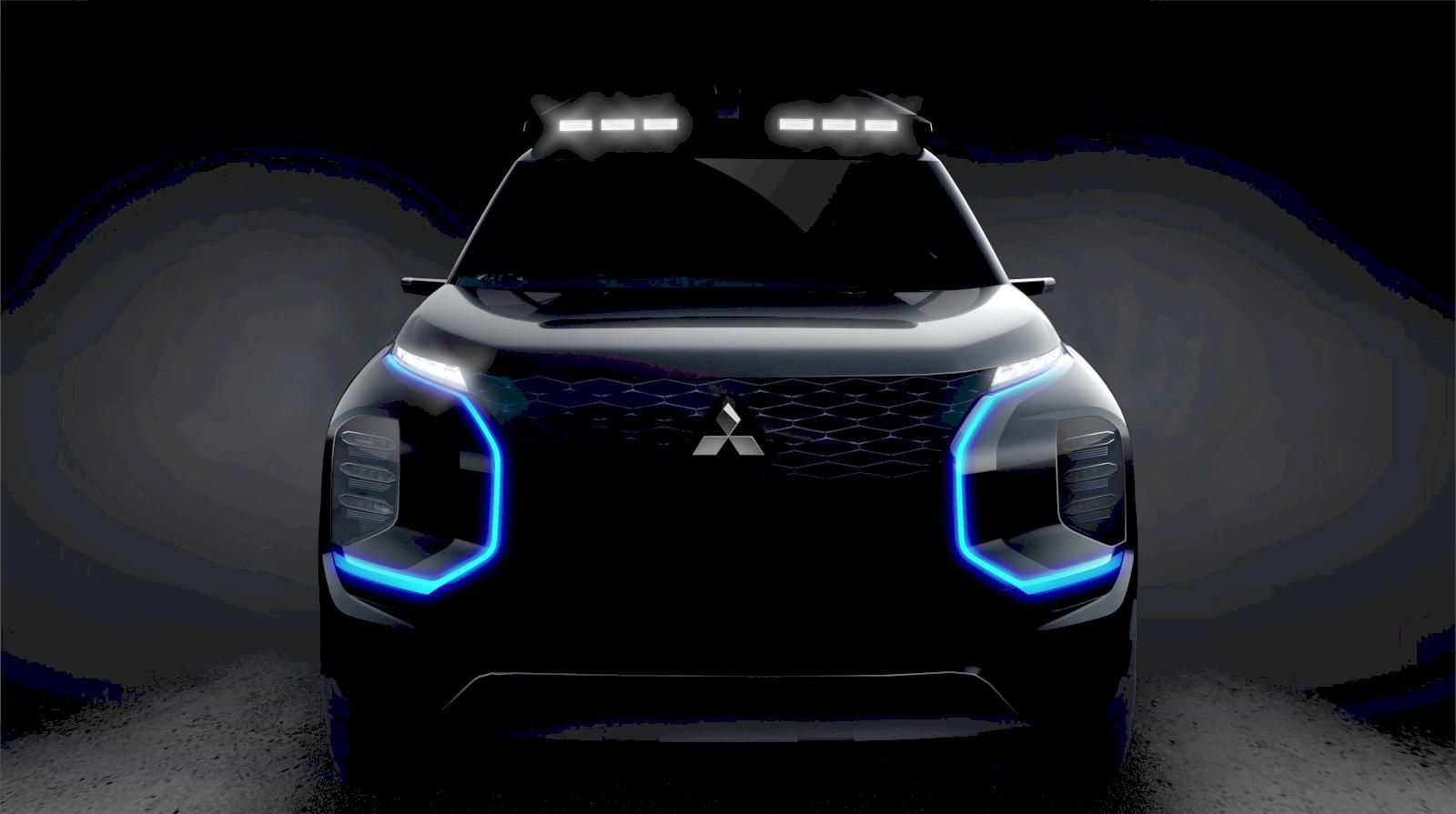 Mitsubishi Engelberg Tourer teaser