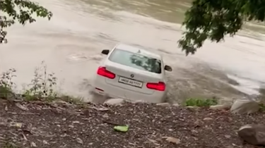 Verdronken BMW